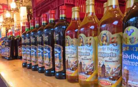 Glühwein und andere Alkoholische Getränke zur Weihnachtszeit
